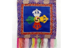 Embroidered double vajra with brocade border (blue)